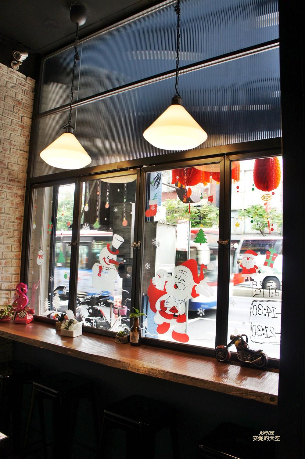 20171224192221 43 - [熱血採訪] 新莊輔大美食║Double泰 南洋風味料理║一個人也能品嘗的泰式料理 聚餐約會推薦餐廳