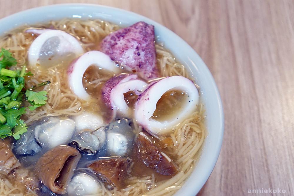 [新莊美食]浮誇的小卷麵線你吃過沒 鼎昱蚵仔麵線 丹鳳站推薦小吃