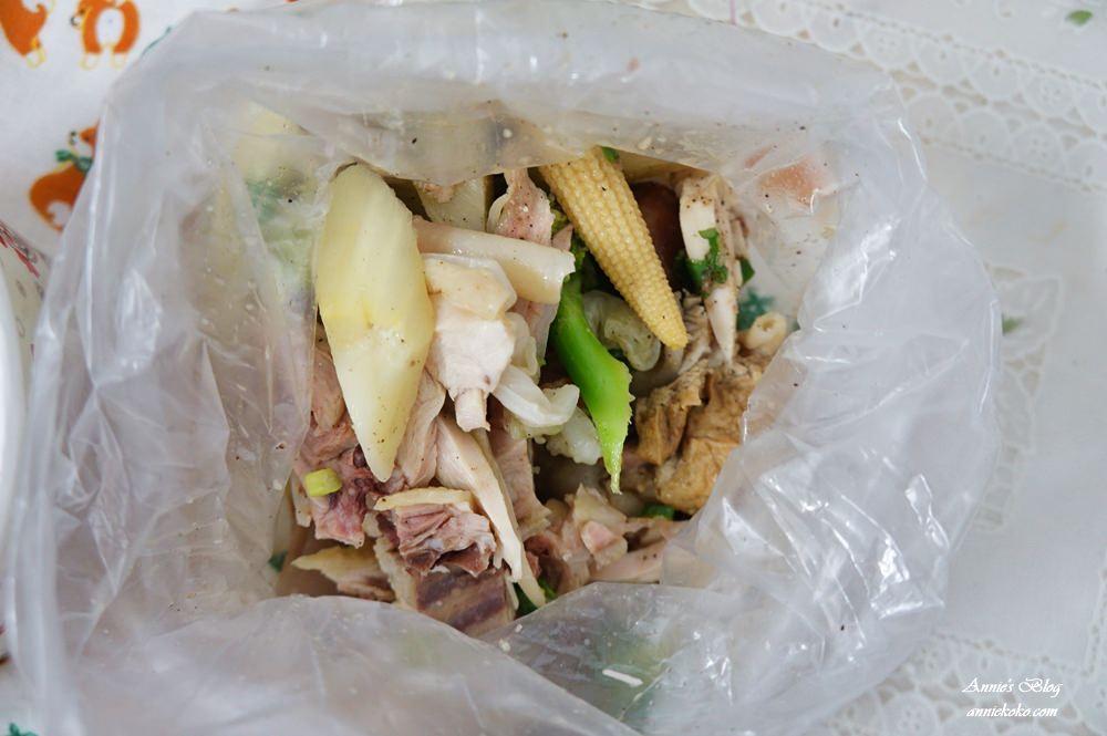 20180915205133 9 - [板橋美食] 一毛不拔鹽水雞 煙燻雞 80元20種蔬菜滷味夾好夾滿 晚來吃不到喔