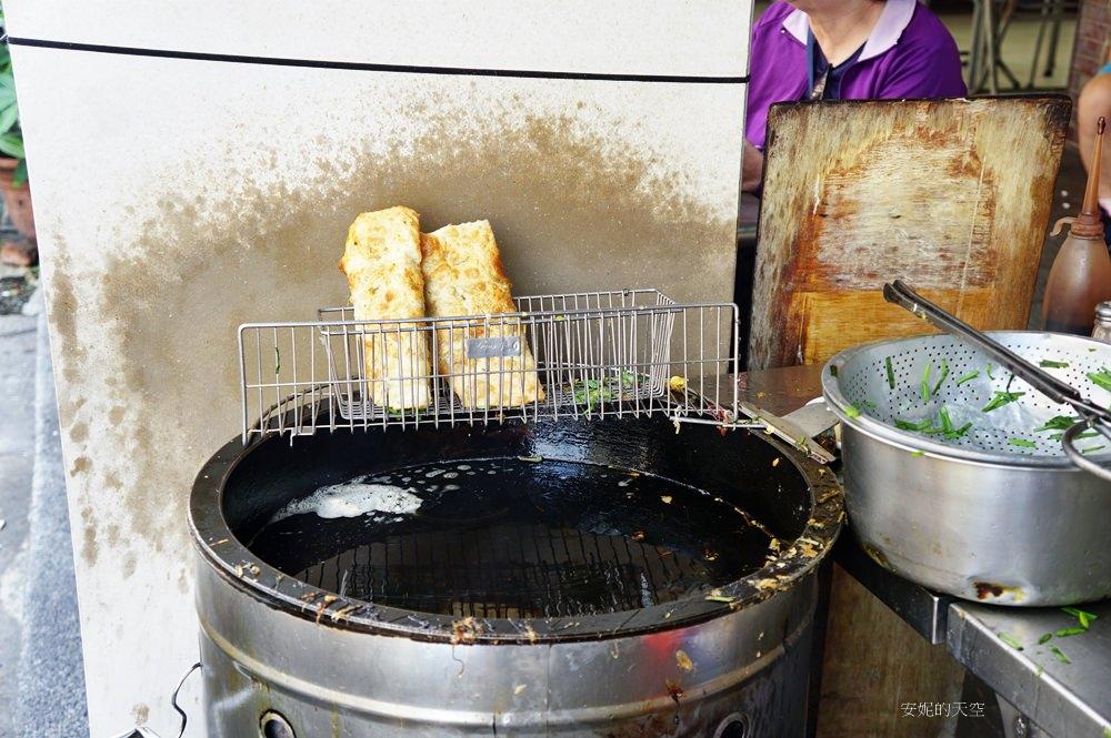 20180925103343 56 - 大橋頭站美食  津津豆漿│韭菜蛋餅 炭香味豆漿  古早美味就是要攻佔你的胃