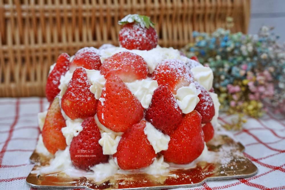 20181230195245 84 - [新莊甜點]浮誇系草莓聖代蛋糕 免排隊搭捷運來就買得到 新莊老店日月香蛋糕店