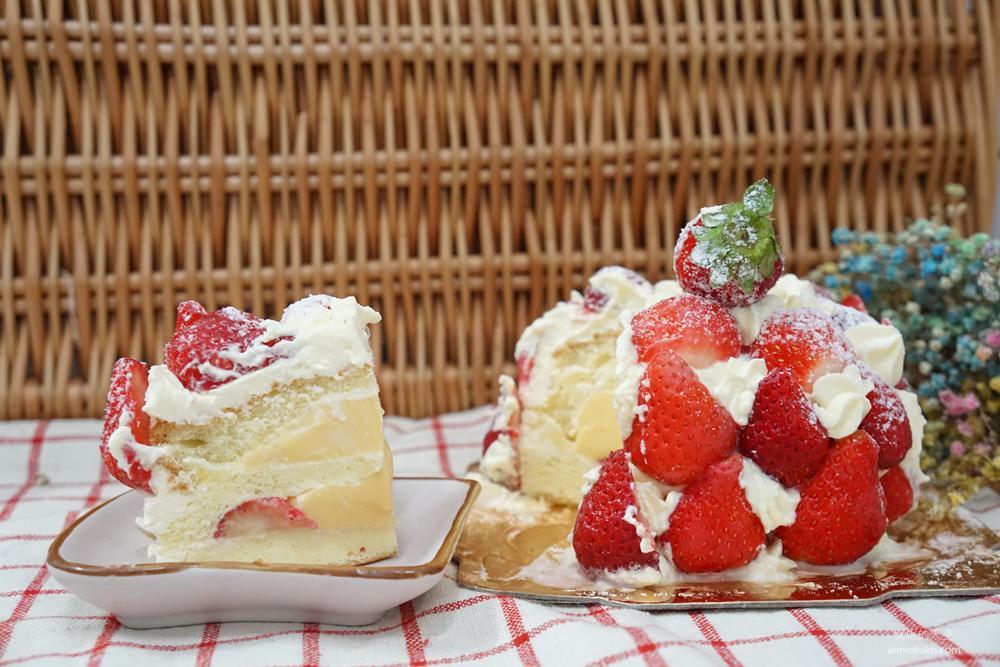 20181230195334 88 - [新莊甜點]浮誇系草莓聖代蛋糕 免排隊搭捷運來就買得到 新莊老店日月香蛋糕店