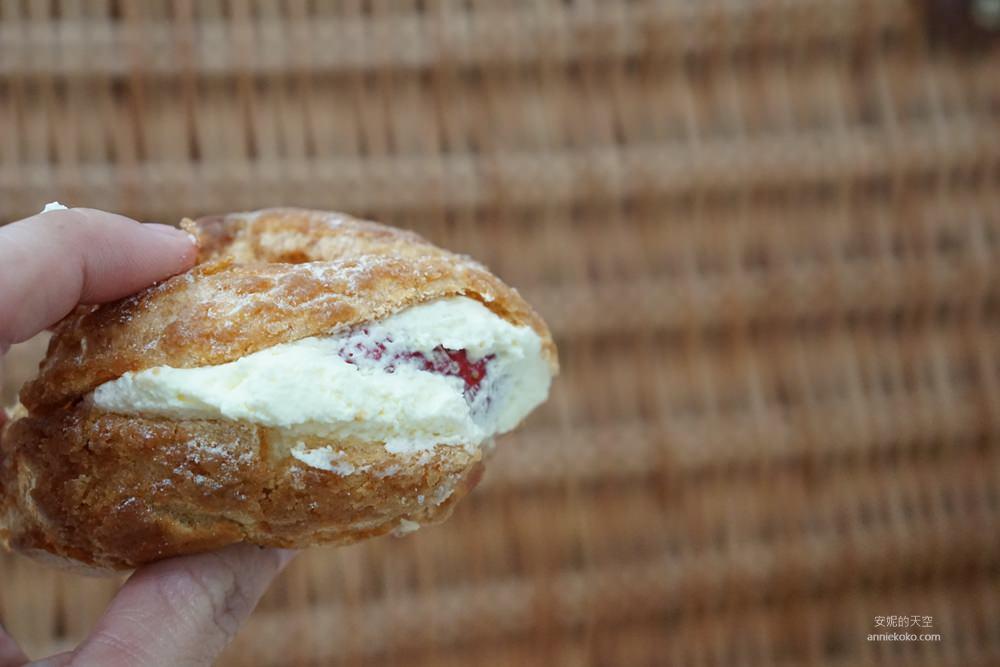 20181230195355 65 - [新莊甜點]浮誇系草莓聖代蛋糕 免排隊搭捷運來就買得到 新莊老店日月香蛋糕店