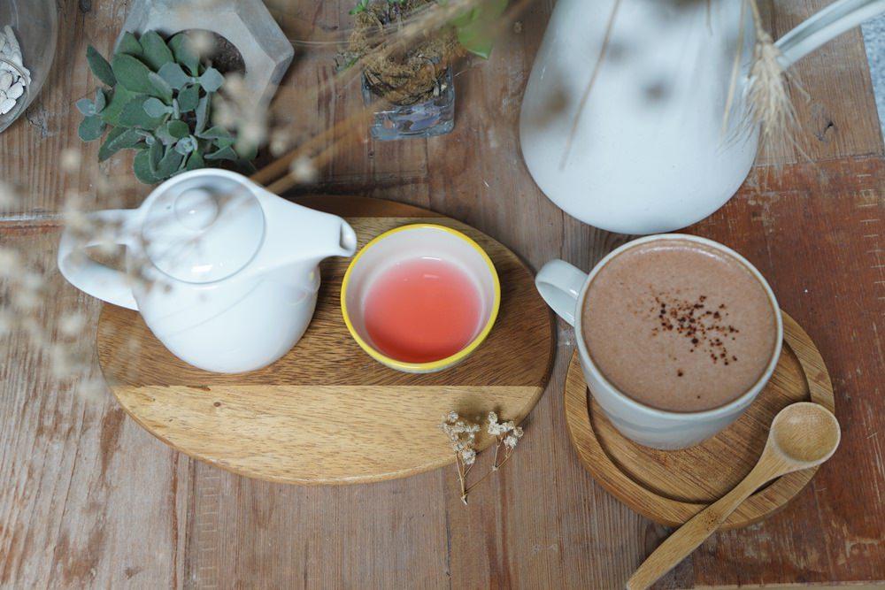 20190224172330 2 - 台北迪化街 鹹花生  啜杯茶享受陽光  老洋房裡的歲月靜好