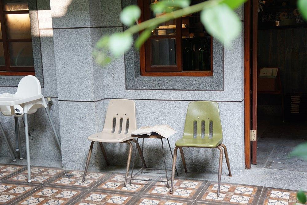 20190224172805 23 - 台北迪化街 鹹花生  啜杯茶享受陽光  老洋房裡的歲月靜好