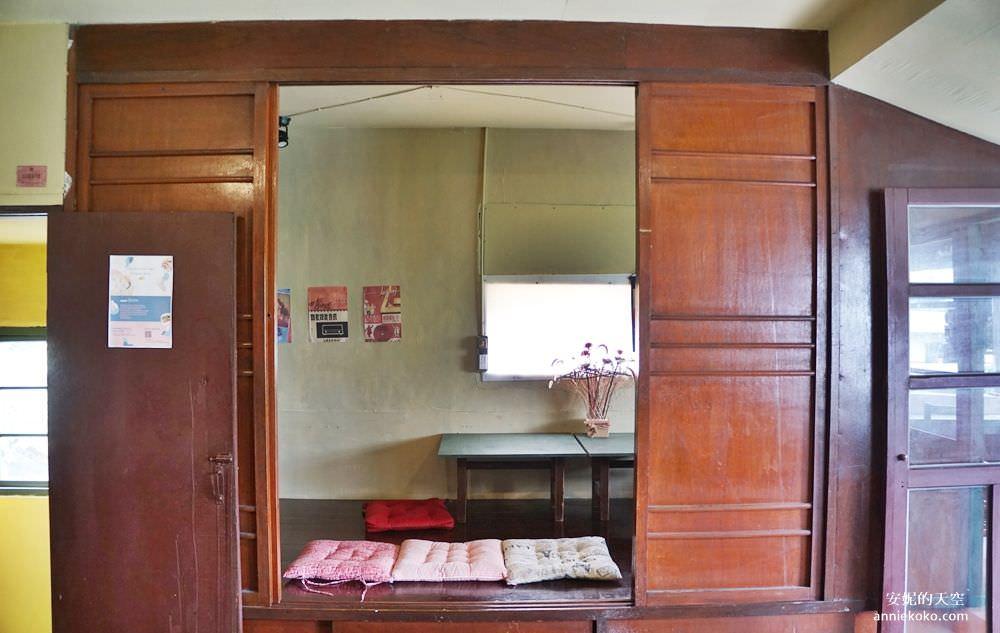 20190528153912 23 - [大稻埕 樓梯好陡steepstairs] 城市裡的二樓咖啡館 乘載著舊時光的老屋 內有萌系店犬陳英俊