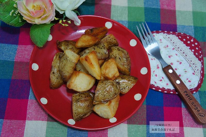 [親子料理] 跟餐廳一樣美味的薯塊自己做