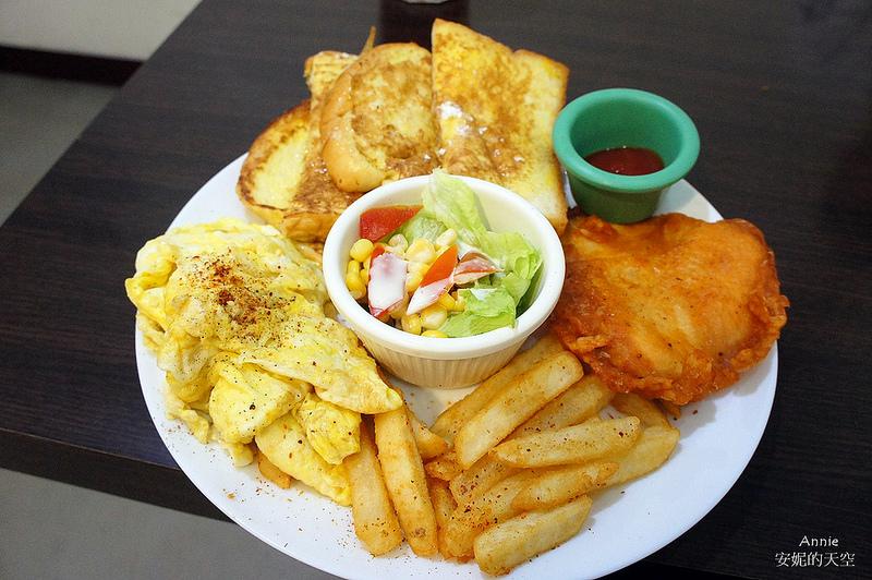 [新莊早餐 米荳芽廚房] 小巧早餐店 暗藏大份量餐點