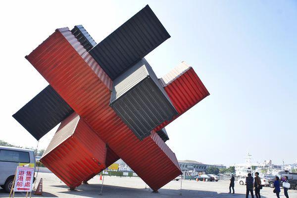 [港都  駁二特區] 碼頭裡的藝術氣息  散步騎腳踏車的好地方