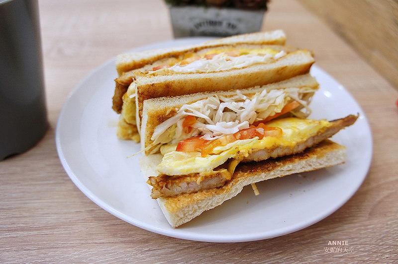 6569aaf49c7813927a35effdb4b3d677 - [中和早餐]  FOOD LIFE福來早餐  原本是為了肉蛋吐司而來 最後愛上起士煉乳炸饅頭 鄰近中和環球百貨
