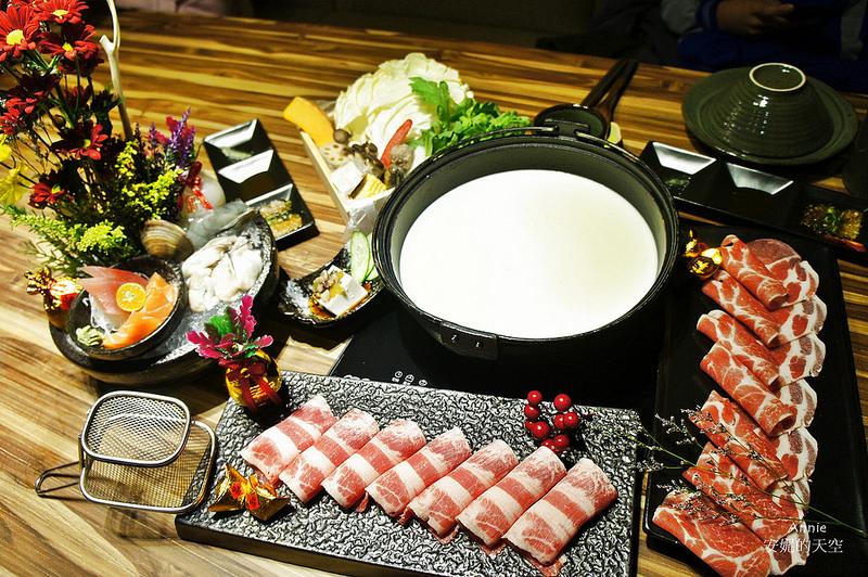 [新莊美食 婧Shabu]來一場華麗的花藝火鍋饗宴 溫暖系牛奶鍋 豪華海鮮拼盤 鄰近頭前國中